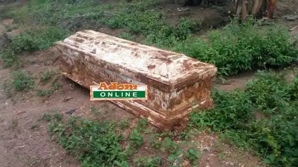 PHOTO: Suspected 'Sakawa' coffin found in front of Man's room at Maame-Krobo