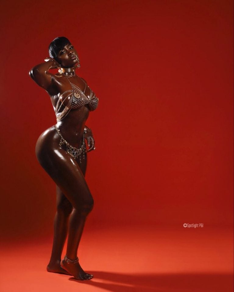 Princess Shyngle releases two new hot photos