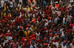 Angry Asante Kotoko supporters storm team bus after disastrous CAF Confederation Cup exit