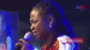 Watch video: Watch Joyce Blessing's Full Performance That Led To Cecilia Marfo Snatching Her Microphone