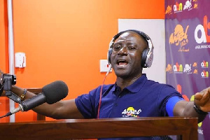 The cedi has exposed you big time – Captain Smart mocks Bawumia